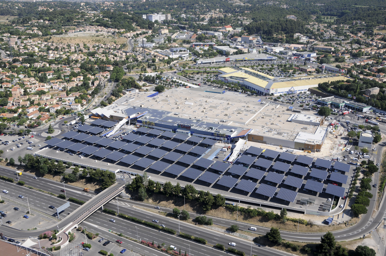 ombrières photovoltaîques marseille casino parking
